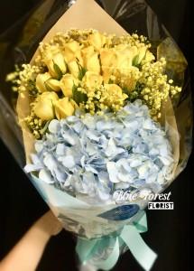 黃玫瑰繡球配黃色滿天星花束