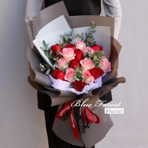 *18枝肯亞雙色玫瑰花束
