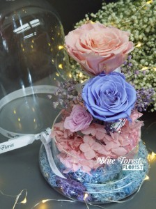 *保鮮•愛系列 *發光玻璃罩玫瑰保鮮花(淺粉紅色配薰衣草色)*可免費刻上名或祝福字句