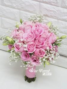 粉佳人*粉紅玫瑰配滿天星韓式花球