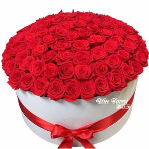 99枝紅玫瑰花盒