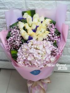 香檳玫瑰配荷蘭粉繡球花束