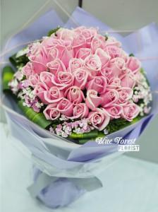 50枝白邊粉紅玫瑰花束