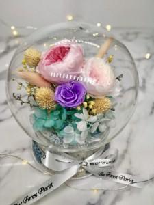 *幸福水晶球系列 *玻璃罩玫瑰保鮮花(粉紅Garden Rose)*可免費刻上名或祝福字句