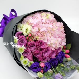 紫玫瑰配荷蘭秀球花束*