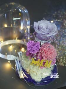 母親節2018精選 *玻璃罩康乃馨玫瑰保鮮花(粉紅/淺紫)*可免費刻上名或祝福字句