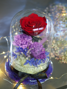 *玻璃罩玫瑰保鮮花(紅色))*可免費刻上名或祝福字句