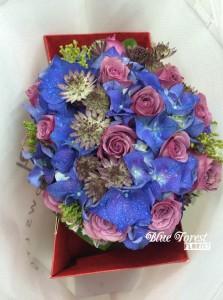 荷蘭紫繡球配紫玫瑰花球