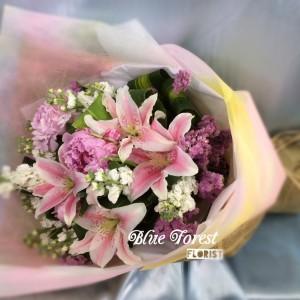 日本射香粉百合花束