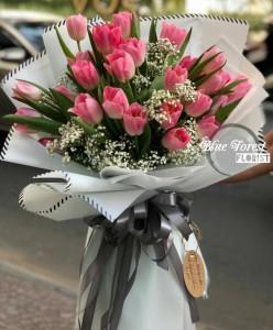*荷蘭粉紅鬱金香配滿天星花束