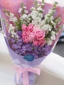 花漾粉紅*粉玫瑰配日本射香花束