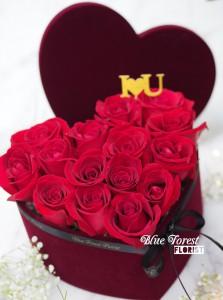 心形紅玫瑰花盒(附送Love插牌)