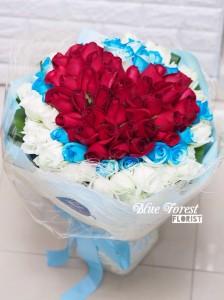 99枝三色心形玫瑰花束