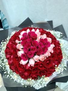 99枝心形三色玫瑰花束