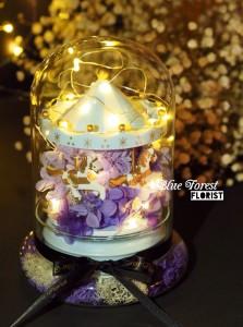 保鮮•愛系列 *發光旋轉音樂木馬保鮮花(紫色)*可免費刻上名或祝福字句
