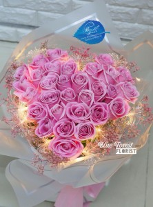 20枝/30枝心形粉紅色玫瑰LED燈花束