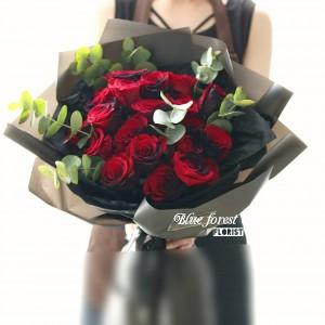 厄瓜多爾雙色玫瑰花束(黑紅色)