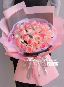 28枝雙色玫瑰花束