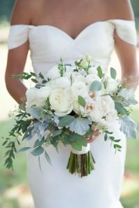 純白庭園玫瑰配小牡丹花球