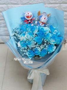 叮噹淺藍玫瑰花束