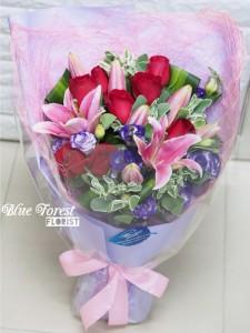 紅玫瑰配粉紅百合花束